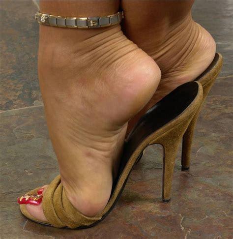 girl wearing sandals fucked jpg 736x755